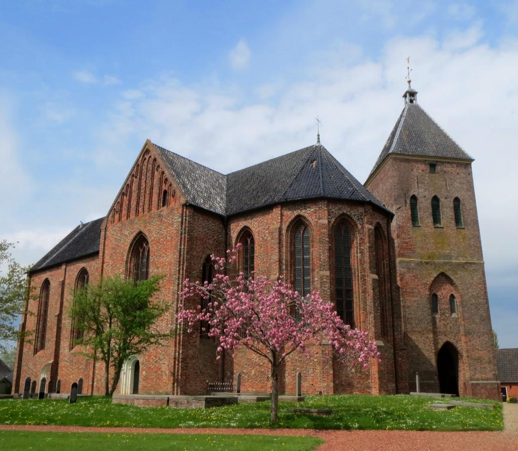 De kerktoren van Zeerijp deed vroeger dienst als vuurtoren