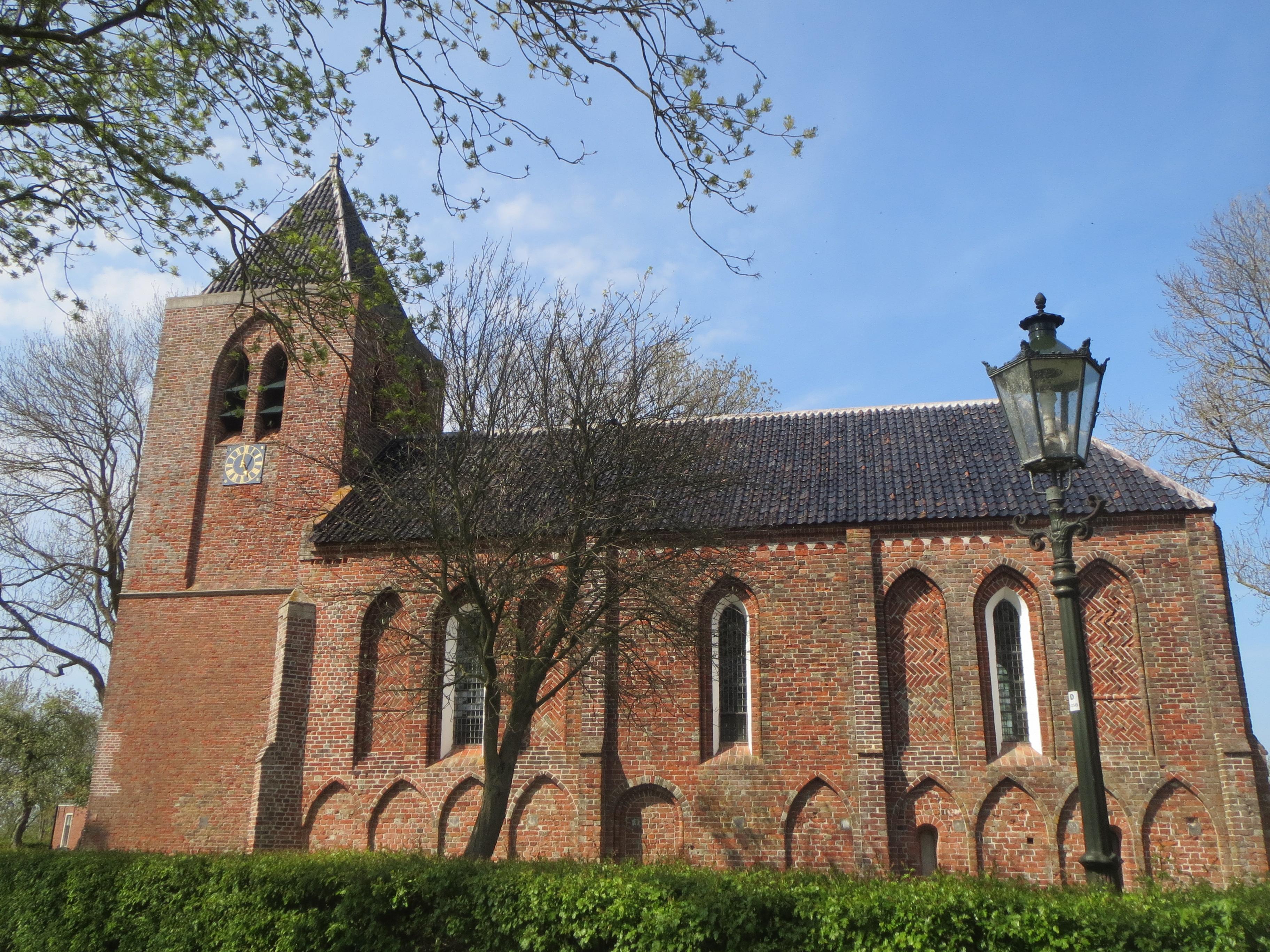 De kerk van Krewerd, gesticht door Tyadeke. Een groot gebouw voor een dorpje met een kleine 100 inwoners