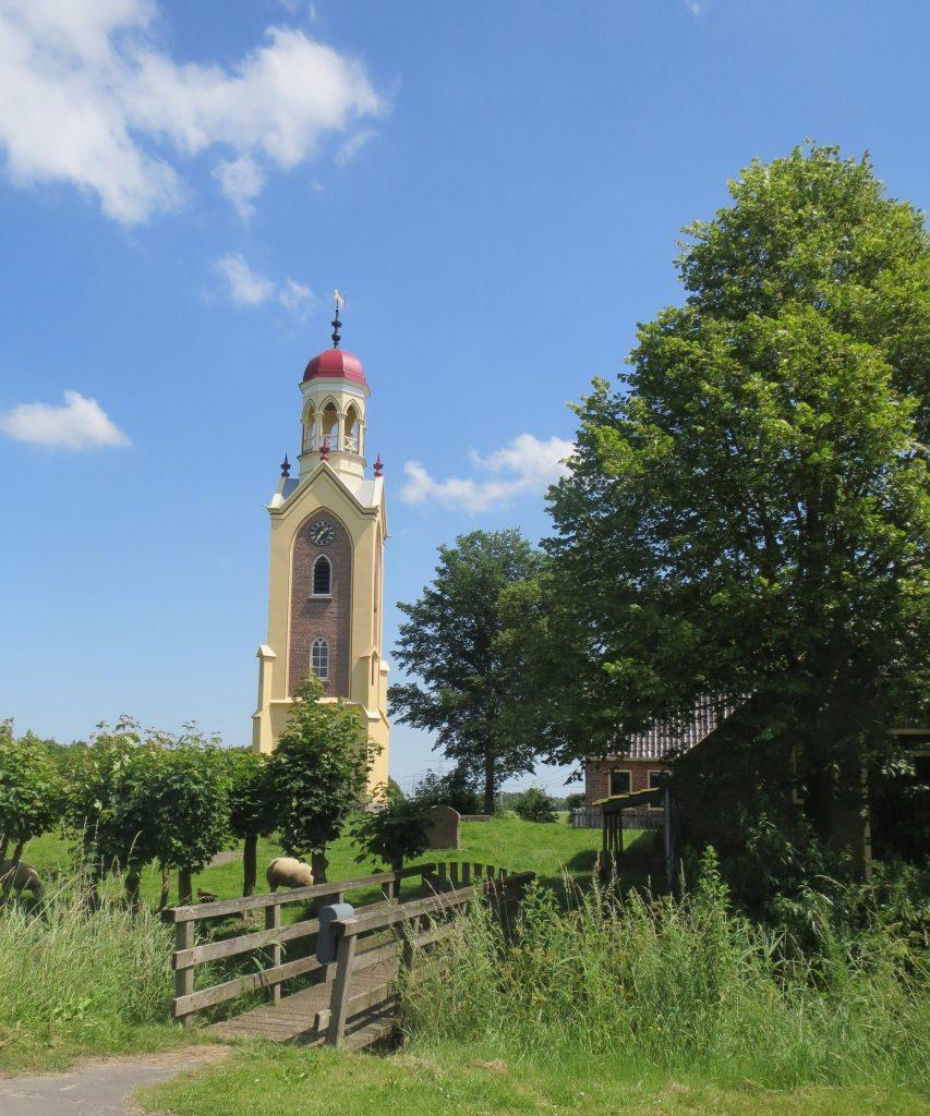 De toren van Westerdijkshorn, na de restauratie